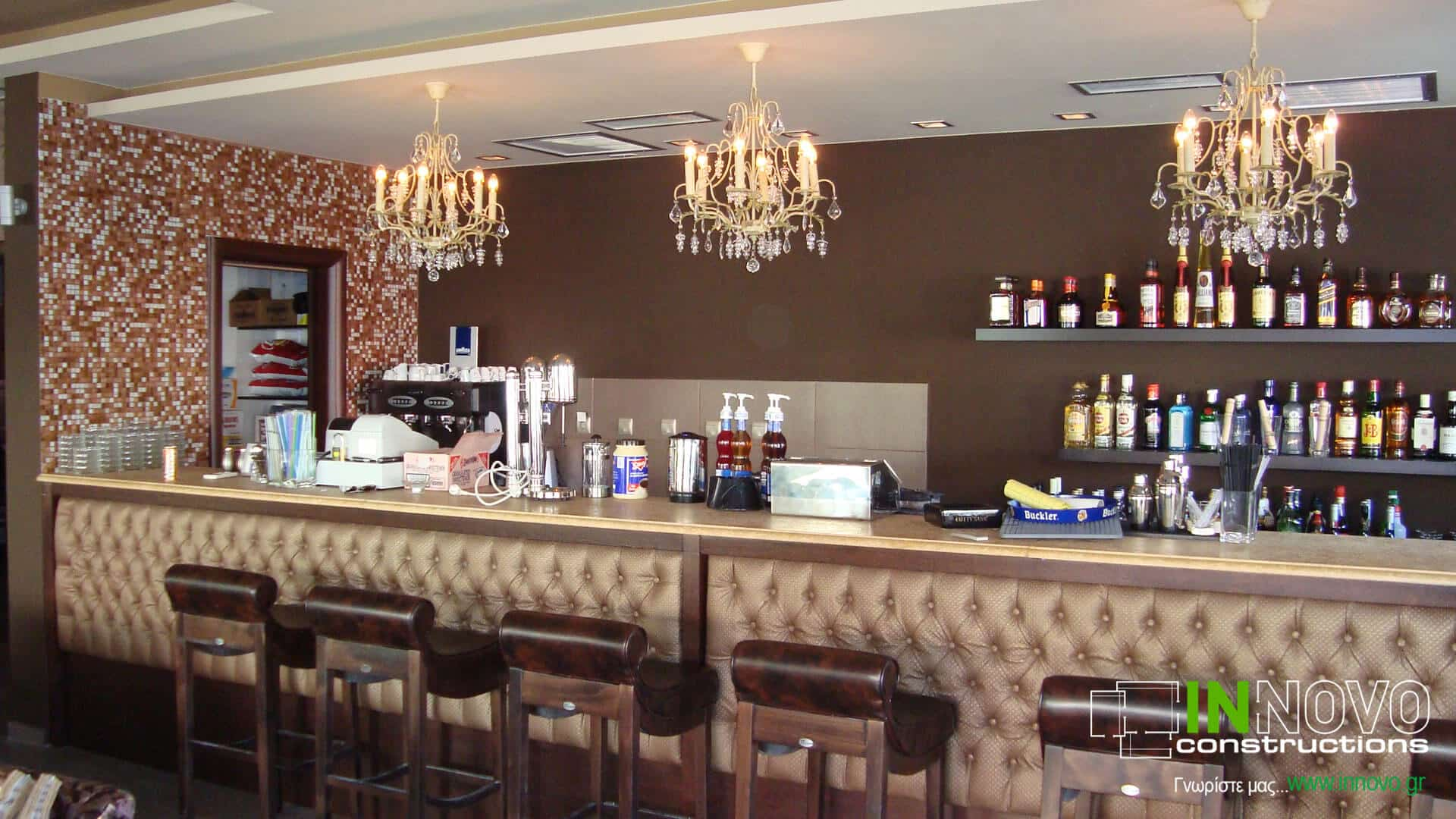 Διακόσμηση καφέ – μπαρ στην Ανάβυσσο