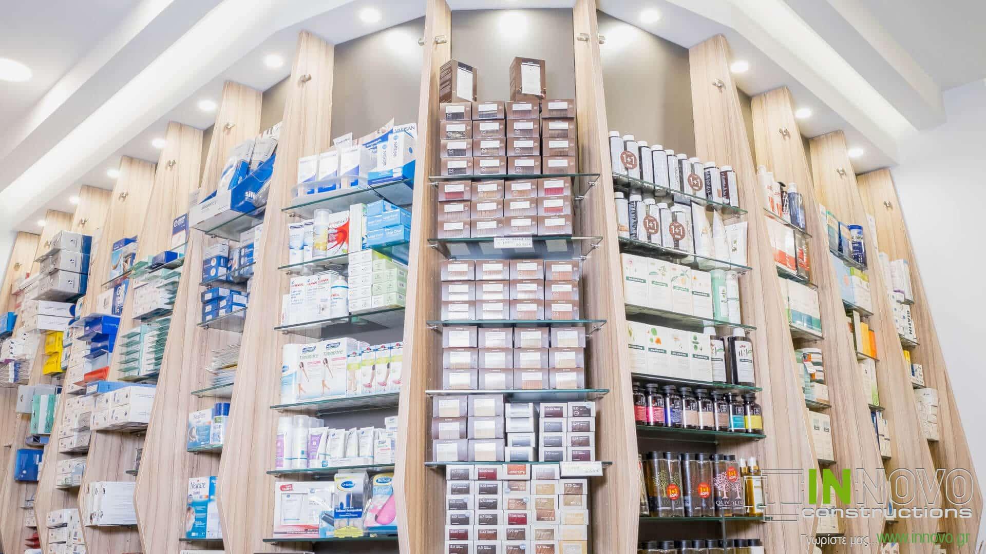 Στο Περιστέρι, διακόσμηση φαρμακείου