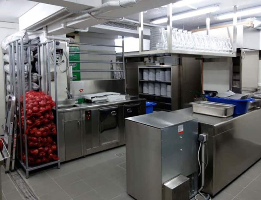 exoplismos-xoron-estiasis-food-service-establishments-equipment-3-1-850x650